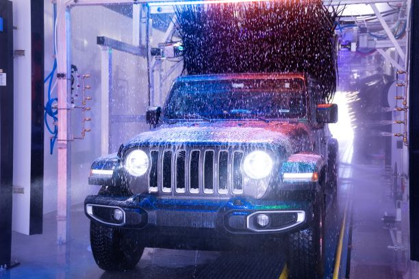 Jeep in Wash